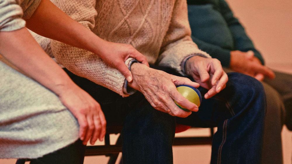 Operatore socio assistenziale per anziani